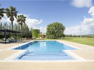 Luxury holiday house for 14 persons, with swimming pool , in Buger - Majorca vacation rentals