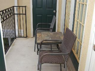 Beautiful 2Bd / 2Bth 2nd Flr Single Garage Walking Distance to Beach LV-2604 - Gulfport vacation rentals