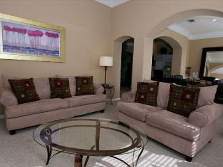Beautiful 3Bd / 2Bth 2nd Flr Double Garage Walking Distance to Beach LV-1806 - Gulfport vacation rentals