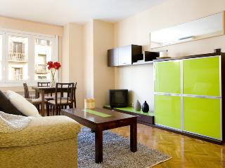 Royal Maison - Large apartment for 6 in center of Barcelona, with airco and spacious living room! - Barcelona vacation rentals