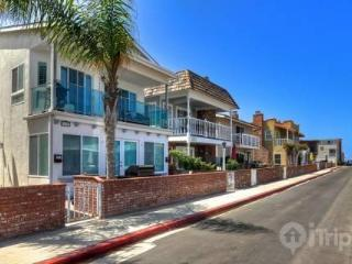 Brand New, Just Listed 3 Bedroom, Steps to the Sand (3573588) - Newport Beach vacation rentals