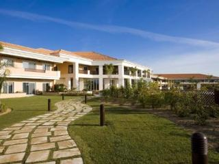 Monte da Quinta Suites - 3 Bedroom Resort Side - Quinta do Lago vacation rentals