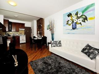 Stylish 4 bedroom 2 bath in the heart of Chelsea!! - New York City vacation rentals