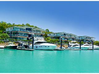 Pavillions 3 Luxury Waterfront Apartment Hamilton Island, - Hamilton Island vacation rentals