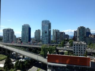 Furnished Studio Apartment Yaletown Vancouver - Vancouver vacation rentals
