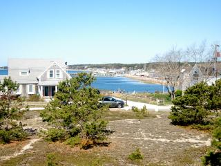 Sunset & Harbor Views- Beach access- Internet - Wellfleet vacation rentals