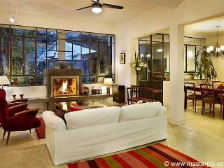 Luxury 4 bedrooms, 3,5 bath in Palermo -Thames - Capital Federal District vacation rentals