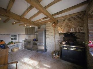 Along the A6 between Paris and the South of France - Brianny vacation rentals