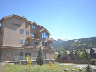 Penthouse 4 Bedroom + Loft Sleeps 16, Walk To Gondola - Breckenridge vacation rentals