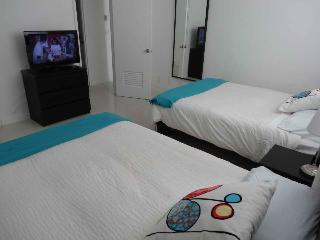 Hollywood Beach Amazing Apartment! - Hollywood vacation rentals