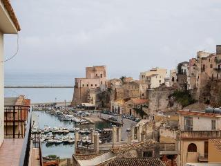 Terrace and view on the castle - Castellammare del Golfo vacation rentals