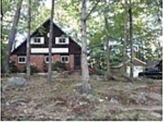 Cute 3BR Lakeside Home Near Weir's Beach and Gunstock Mountain - Laconia vacation rentals