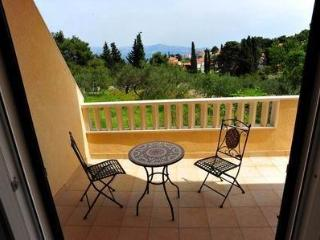 apartmen Maja*** (two bedrooms, two balconies) - Sutivan vacation rentals
