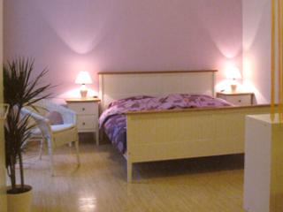 Sleeping Area - Apartment no. 1 Margaretenplatz - The best choice for lovers or small families. - Vienna - rentals