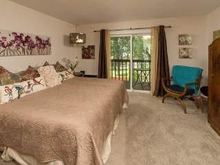 Bend Downtown Condo, Walk Along the River, Peaceful and Beautiful - Bend vacation rentals