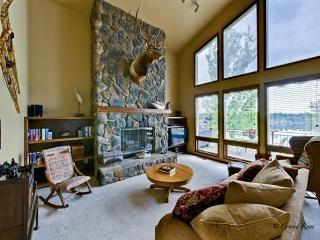New rate for this Lake Blaine home! Hot tub! Sleeps 8! - Kalispell vacation rentals
