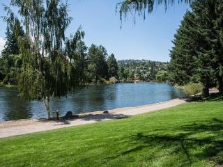 Bend Downtown Condo, Peaceful, Along the River, Sleeps 4 - Bend vacation rentals