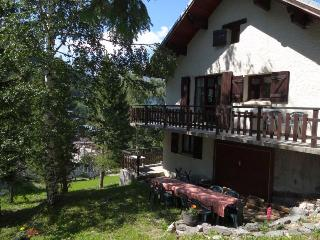 Chalet Eterlou very central, doorstep sking, cosy - Savoie vacation rentals