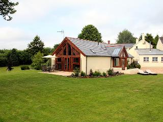 The Dairy - Luxury 5 star Self-Catering Cottage - Crediton vacation rentals