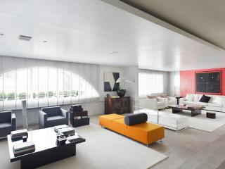 Exclusive 4 Bedroom Apartment in Jardins - Buenos Aires vacation rentals