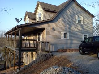 Make your memories here!! Great Lakefront home sleeps 8 - Kimberling City vacation rentals