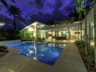41 BEACHFRONT MIRAGE  secluded luxury holiday home - Port Douglas vacation rentals