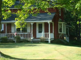 Country Cottage on hill - Northeastern Pennsylvania vacation rentals