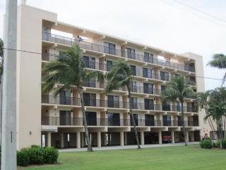 Dolphin Way B-102 - 28 days - Fort Myers Beach vacation rentals