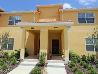 ORLANDO Luxurious Four Bedroom Townhome-with private pool and lanai  MF at 5 * Paradise Palms Resort - - Kissimmee vacation rentals
