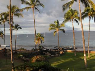 OCEANFRONT CONDO-INCREDIBLY BEAUTIFUL 2 BR 2 BATH - Kihei vacation rentals