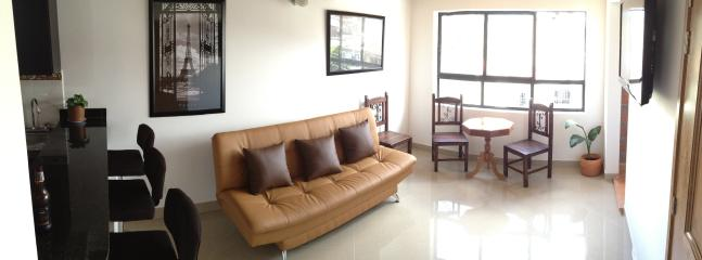 Living room - New Apartment with Rooftop Terrace Near Medellin Stadium - Medellin - rentals
