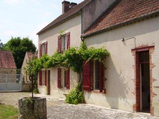 House in Saint-Moré Ft. Large Garden, Vine House - Nice vacation rentals