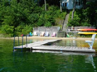 Silver Sunrise Cottage on Beautiful Silver Lake in Traverse City Michigan - Traverse City vacation rentals