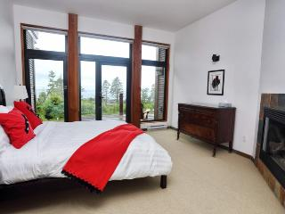 Pacific Sunset - Ucluelet vacation rentals