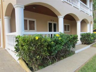 Sunset Villas 10B SSV10B - West Bay vacation rentals