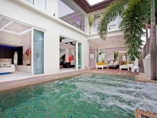 Pattaya - Classic Pratumnak Villa 3BED - Bang Lamung vacation rentals