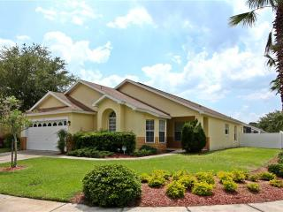 Luxury 5 bed Villa Mimosa 15 minutes from Disney - Kissimmee vacation rentals