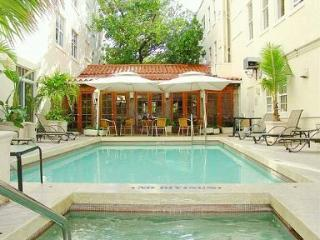 SOUTH BEACH PENTHOUSE-GREAT ROOF TERRACE - Miami Beach vacation rentals
