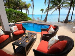 ALMA DE TEXOMA - Beachfront Villa With Pool - Akumal vacation rentals