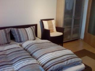 Vacation Apartment in Regensburg - 387 sqft, nicely furnished, quiet location (# 4123) - Regensburg vacation rentals