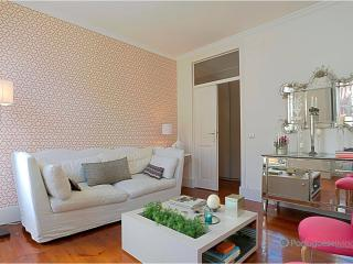 Lisbon Apartment Alegria Romantic - Palmul vacation rentals