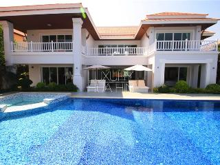 MANSION WITH SHORT DISTANCE TO THE BEACH - Prachuap Khiri Khan Province vacation rentals