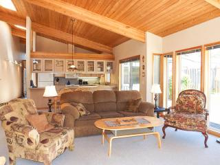 Condo in the Village #5 - Walk Everywhere! - Lopez Island vacation rentals