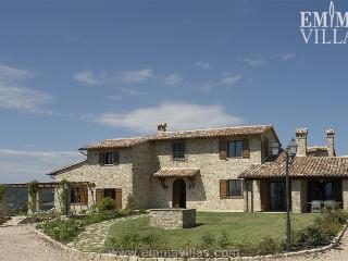 Il Poggetto 12 - Todi vacation rentals