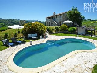 La Collina 14 - Cetona vacation rentals