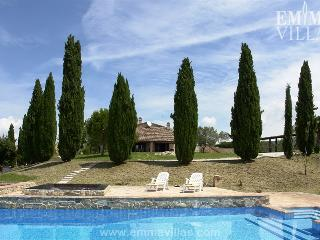 La Dolce Vita 10+2 - Umbria vacation rentals