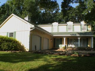 Family Fun on Lake Tuscaloosa with 4 King Beds!!! - Northport vacation rentals