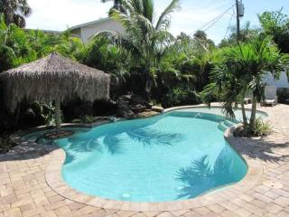 AINSLEY BEACH HOUSE - Holmes Beach vacation rentals