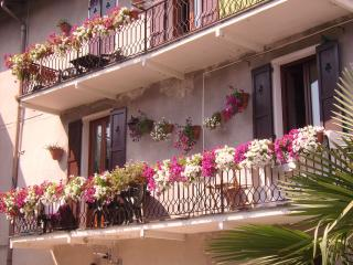 Glicine House. Griante. Central Lake Como. - Cadenabbia di Griante vacation rentals