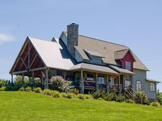 New River Luxury - Sleeps 12 - Outdoor Fireplace, Fire Pit, Wi-Fi, Pool Table - Jefferson vacation rentals
